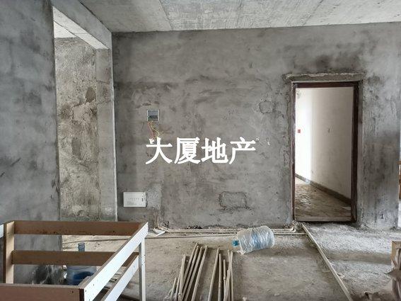 十里畈还建房,四房两厅两卫,中间楼层,房东急售仅售3300一平