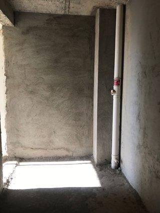 電梯毛坯房,一手辦證,大陽臺3房2廳