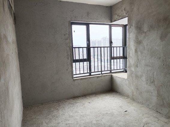棕盛小区,中高层三室,50万包证件!有钥匙看房