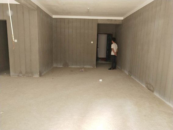 金色家园,电梯中层,证满二年