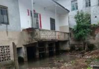 小区开发堵水路,房屋被淹达2米深 | 全县中小学9月1日正式开学
