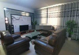 京九汽车城附近130平方三室两厅装修房35万
