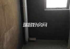 龙翔国际 毛坯大三房 南北通透 满两年 电梯边户采光好