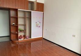 香格里拉附近三房兩廳出租1200/月