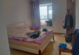 漕河泰和广场出租房2室2厅拎包入住,中高层,户型南北通透采光极好