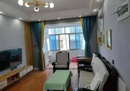 教师公寓简装三房,证满五年,房屋从新翻新了,直接可以进去住