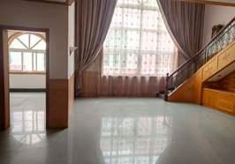 蘄春大道,單門獨院,70年不動產權證在手,有鑰匙看房
