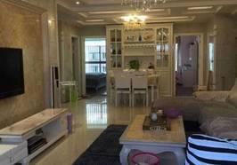 城东学区房,精装修,3室2厅2卫,拎包入住。