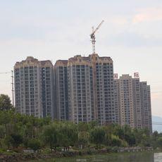 滨河国际楼盘实景图