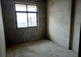 畔山華府毛坯新房151平,4室2廳2衛中間樓層,僅售73萬攤4800多一平